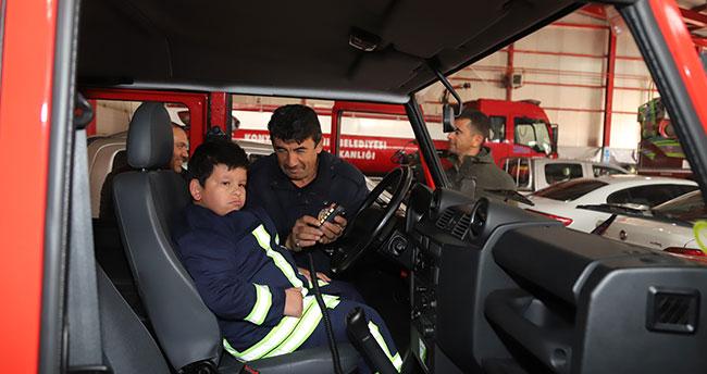 Konya'da zihinsel engelli Mustafa'nın itfaiyeci olma hayali gerçek oldu