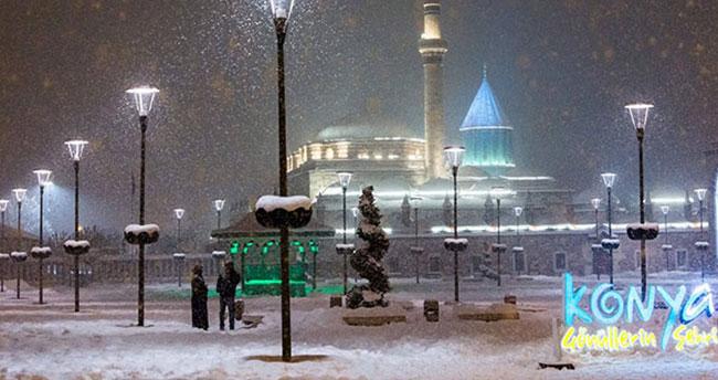Konya'ya mevsimin ilk karı düştü! Bugün de kar yağışı bekleniyor