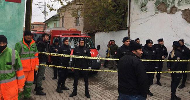 Konya'da kerpiç ev çöktü! 2'si çocuk, 3 kişi hayatını kaybetti