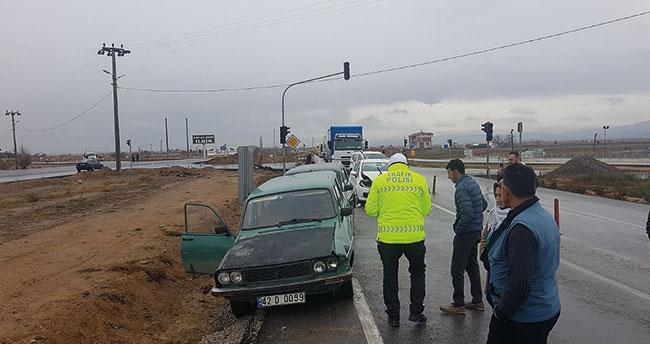 Konya'da 4 araç birbirine girdi! Şans eseri ölen ya da yaralanan olmadı