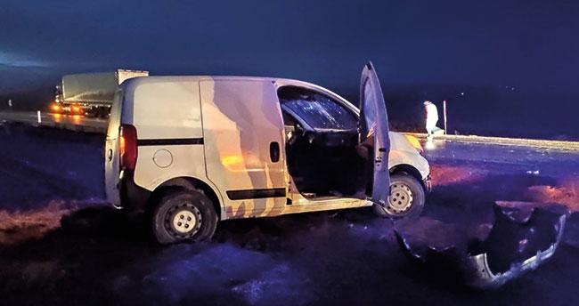 Konya'da hafif ticari araçla otomobil çarpıştı: 8 yaralı