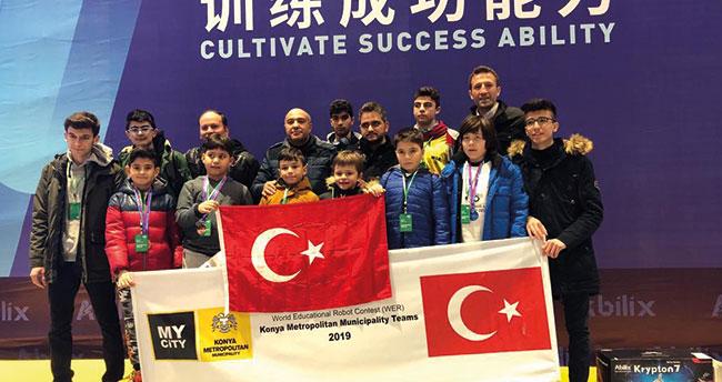 Karatay İzzet Bezirci İlkokulu Robotik Kodlama takımı dünya 3.sü oldu!