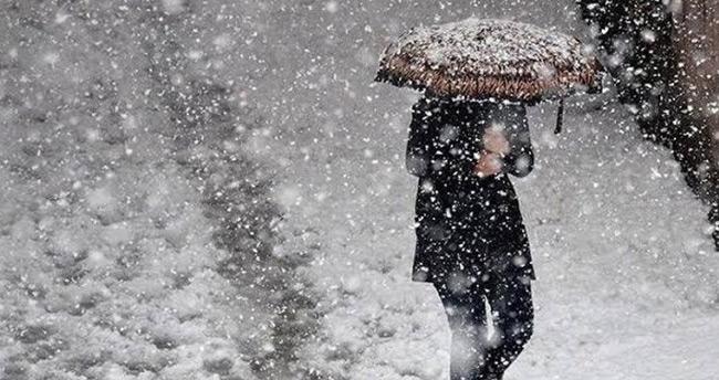 Adıyaman ve Kahramanmaraş'ın bazı ilçelerinde eğitime kar engeli