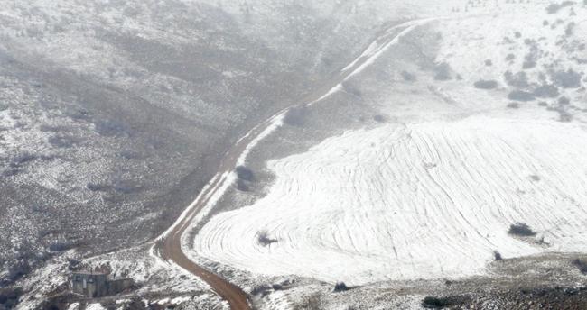 Konya'da yüksek kesimlere kar yağdı