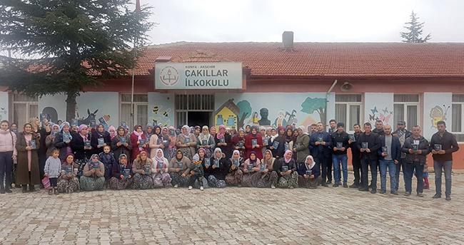Konya'daki bu okulda veliler de sınava giriyor
