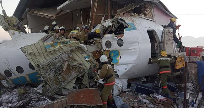Kazakistan'da yolcu uçağı düştü: 14 ölü, 30 yaralı