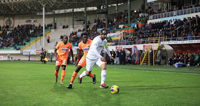 Konyaspor Alanyaspor'da son dakikada yenildi!