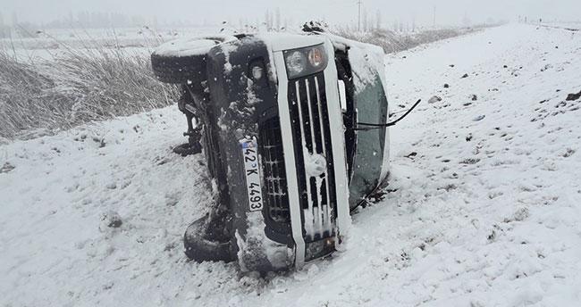 Konya'da öğretmenleri taşıyan minibüs kaza yaptı: 15 yaralı