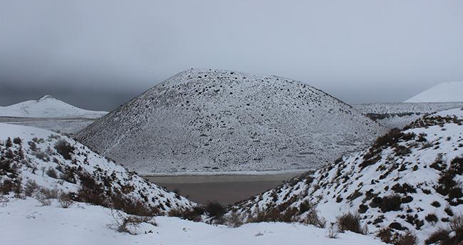 Konya Karapınar ilçesindeki Meke Gölü beyaza büründü