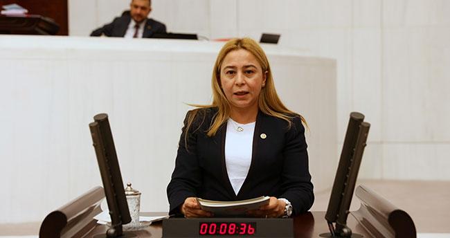Konya Milletvekili Esin Kara, çiftçinin Tarım Kredi'ye borçlarını sordu