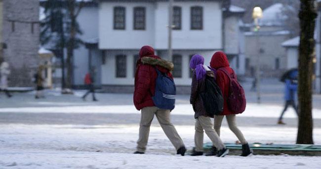 Konya'nın üç ilçesinde kar tatili devam ediyor