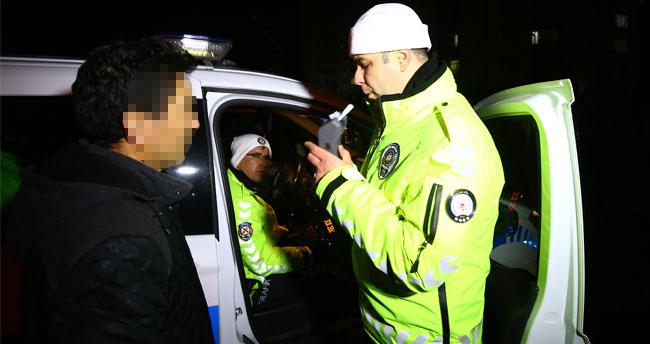 """Konya'da ehliyetine el konulunca """"Ben umreye gittim, ne alkolü"""" diyen sürücü ehliyetini geri aldı"""