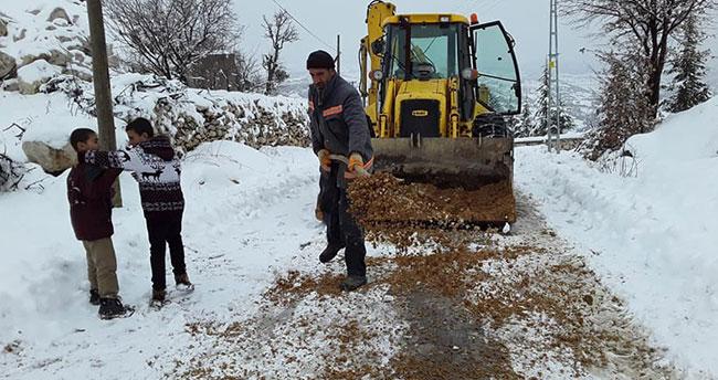 Bozkır Belediyesinin kar mesaisi