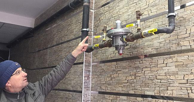 Konya'da apartmandan doğalgaz sayacı çaldılar