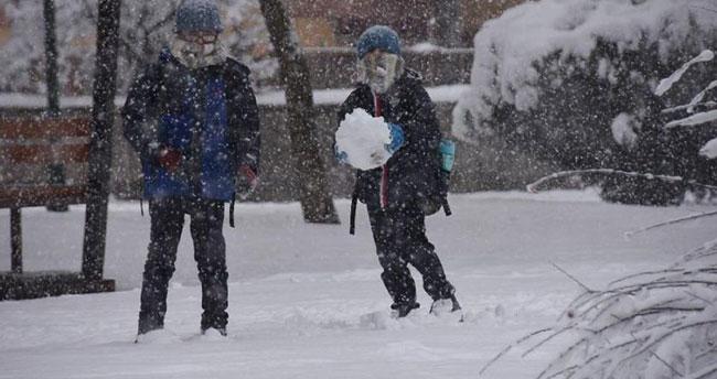 Konya ve Karaman'da eğitime kar engeli! 7 Ocak Salı Konya ve Karaman'da okullar tatil mi?