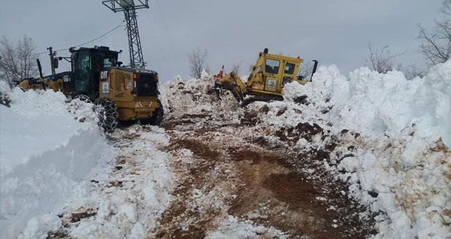 Hadim'de kar mesaisi devam ediyor