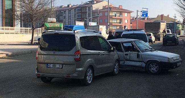 Konya'da trafik kazası: 1'i bebek 3 yaralı