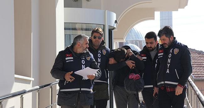Konya'da gasp şüphelisi cezaevi firarisi arkadaşının evindeki gizli bölmede yakalandı