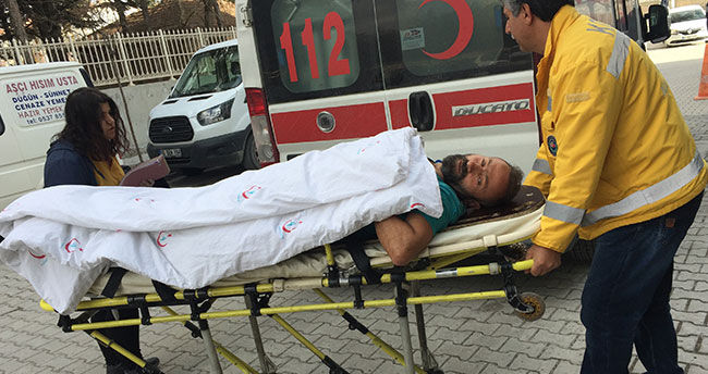 Konya'da bir kişi çatıdan düşüp hastanelik oldu