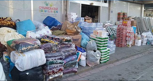 Konya'dan depremzedelere yardım malzemesi gönderildi