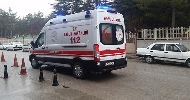 Konya'da kontrolden çıkan otomobil takla attı: 3 yaralı