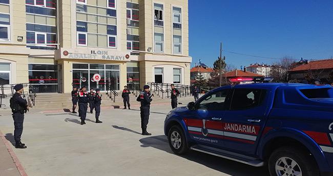 Konya'da otomobille çarptıkları kişinin cesedini su kuyusuna atan şüphelilerden 2'si tutuklandı