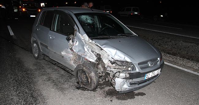 Konya'da aynı yönde seyir halinde olan iki araç çarpıştı: 2 yaralı