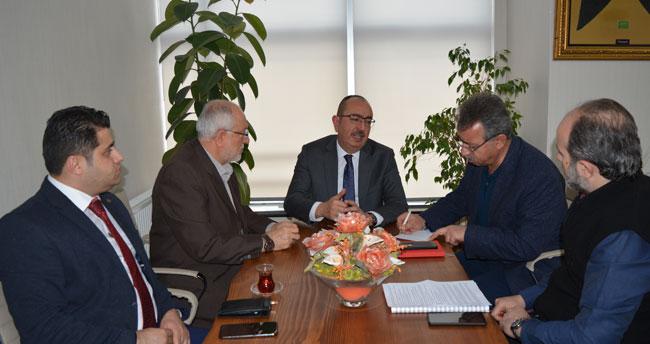 """Mustafa Kavuş: """"Banliyö, en çok Meram'a yarayacak"""""""
