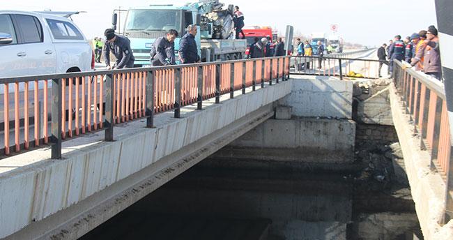 Konya'da otomobil su kanalına düştü! Sürücü hayatını kaybetti