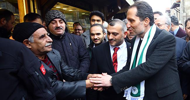 Yeniden Refah Partisi Genel Başkanı Erbakan'dan Konya'da esnaf ziyareti
