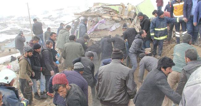 İran depremi Van'ı vurdu: 9 ölü