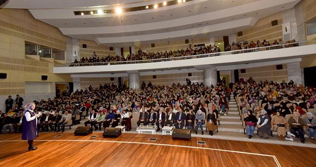 """Karatay'da """"Sağlıklı İletişim Mutlu Aile Okulu"""" seminerleri başladı"""