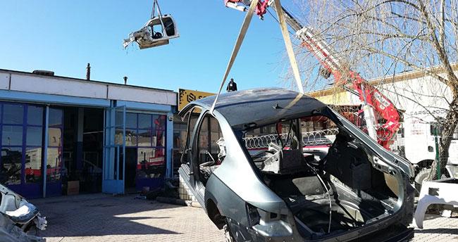 Piyasa değeri tam 1.5 milyon TL! Konya'da hacizli ve çalıntı araçları parçalayıp satanlara operasyon: 3 gözaltı