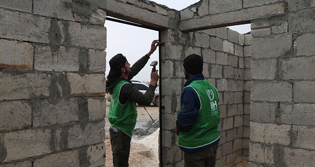 Konya İHH, Suriyeliler için İdlib'de konutlar yapacak