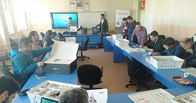 Beyşehir'de öğretmenlere robotik kodlama eğitimi verildi