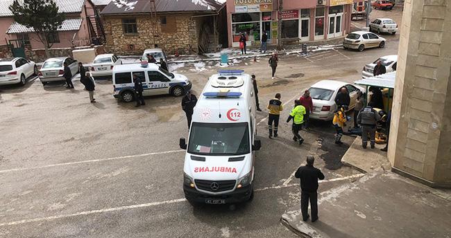 Konya'da satırlı ve sopalı kavga! 3 kişi yaralandı