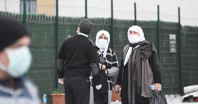 """Konya'da gençlerden 65 yaş üstü vatandaşlara """"vefa vakti"""""""