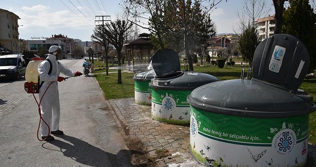 Selçuklu Belediyesi dezenfekte çalışmalarına aralıksız devam ediyor