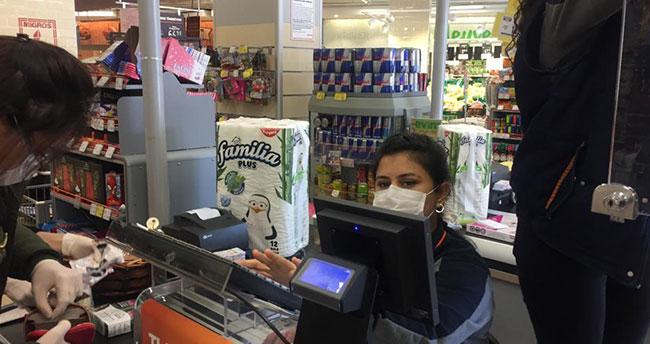 Selçuklu ilçesinde bakkal ve market çalışanları yaygın biçimde maske kullanıyor