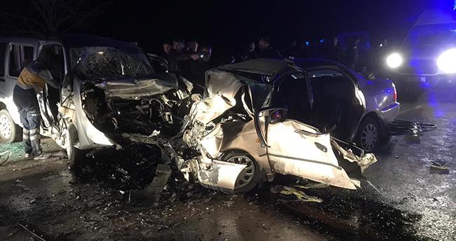 Güneysınır'da feci kaza : 4 ölü