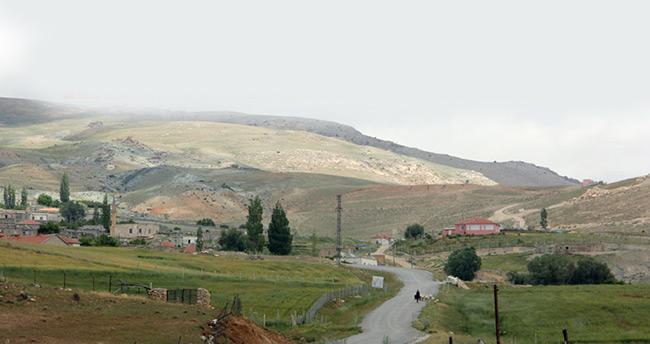 Karaman'da bir köy koronavirüs nedeniyle karantinaya alındı