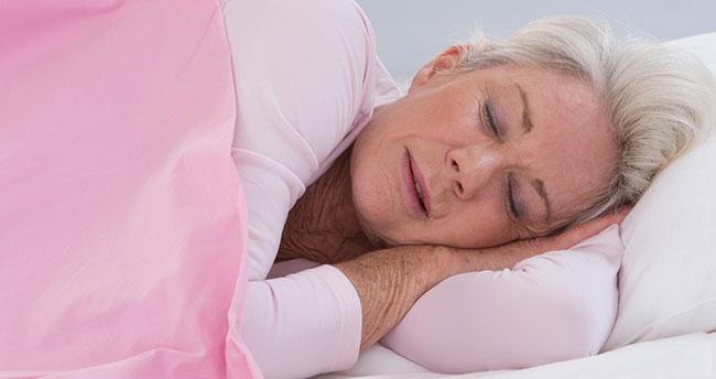 """Yaşlılara """"düzenli uyku"""" tavsiyesi"""