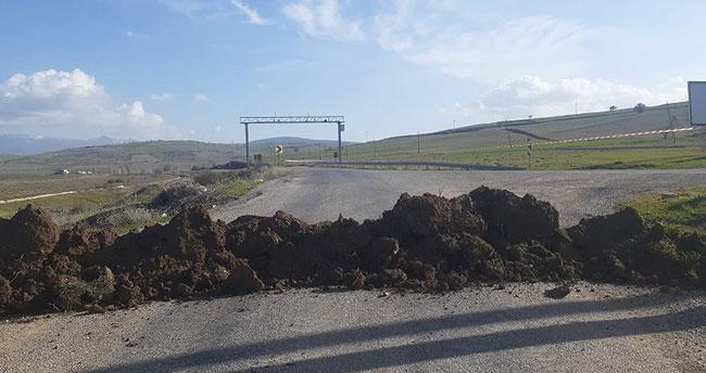 Yalıhüyük'de kontrolsüz yollar kapatıldı