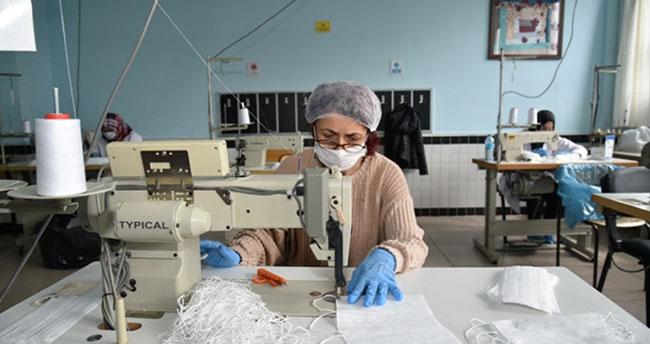Selçuklu'dan bir örnek işbirliği daha! Gönüllü maske üretimi…