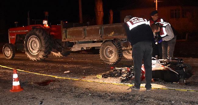 Aksaray'da traktör römorkuna çarpan motosikletin sürücüsü öldü