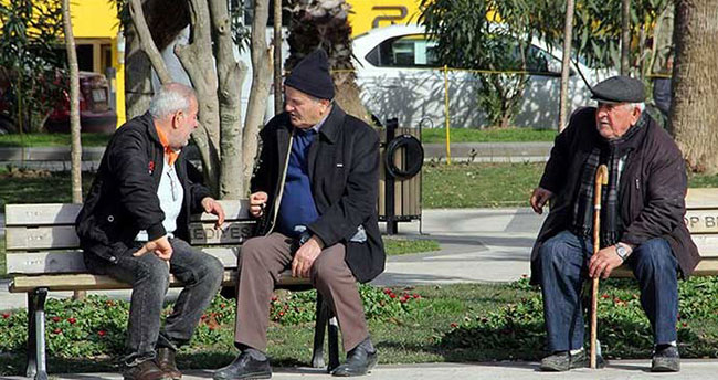 65 yaş üstüne sokağa çıkma yasağında sıcak gelişme! Gözler bu 2 toplantıda