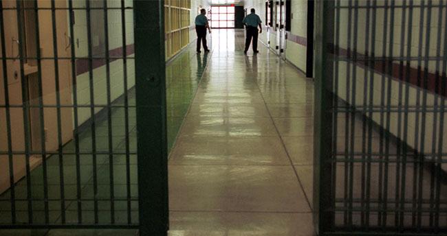 Konya'daki cezaevinde Kovid-19 testi pozitif çıkan 55 kişi hastaneye sevk edildi