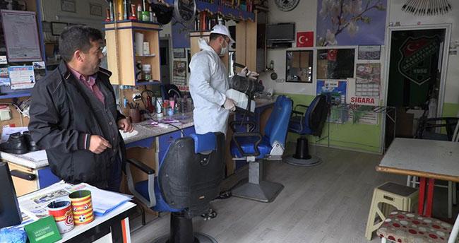 Konya Karapınar'da kuaför salonları dezenfekte edildi