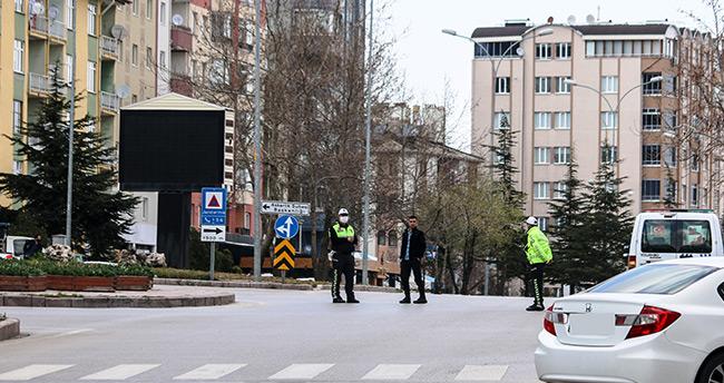 Konya'da sokağa çıkma kısıtlamasını ihlal eden 8 kişiye para cezası