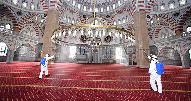 Konya'da camilerde hazırlıklar tamam